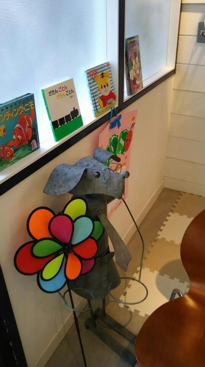 日吉店には、キッズスペースあります。『ニモ』『アナと雪の女王』『いないないばぁっ!』などDVDご用意ございます! LOOPS Plaza所属・トノサキアヤコのスタイル