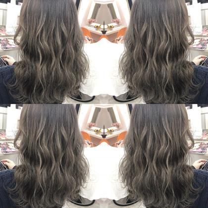 川井麻由のセミロングのヘアスタイル