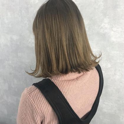 ミルクティーベージュ オカモトサキのミディアムのヘアスタイル
