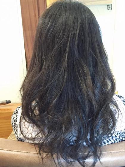 ◎カラー × トリートメント 地毛が茶色い人くらい 光当たると茶色ってくらい カラーデビューの控えめカラー 縮毛矯正毛ですがトリートメントでサラサラ  Bonita by Lafamilia所属・ニシムラカナのスタイル