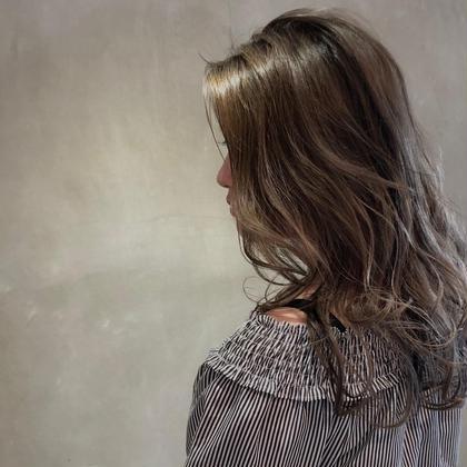 カラー セミロング アッシュの2回重ね✖️ブラックのローライト 雰囲気のあるかっこいい女性に