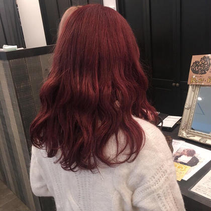 cherry red  bisou  hair所属・屋比久真里奈のスタイル