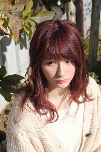 ピンク系カラー 長畠俊輔のセミロングのヘアスタイル