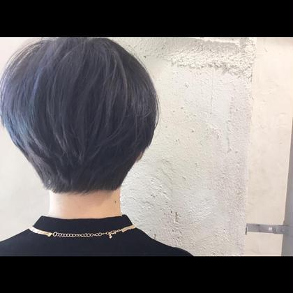 カラー ショート Real salon work✂︎ [ダークブルージュ×ショートレイヤー✂︎]  Bleach&BlueとGreyのmix☆ 丸みのあるショートスタイルで柔らかさを♪ ダークブルージュカラーでstylishに  クール : かわいい  7 :  3 くらいなバランス☝︎ バランスイメージ大事☺︎ . #NAKAIstyle #ショートヘア#ショートレイヤー#ブリーチ#ハイトーン#ブルージュ#グレージュ#ダークアッシュ#外国人風カラー#お客様カットカラー