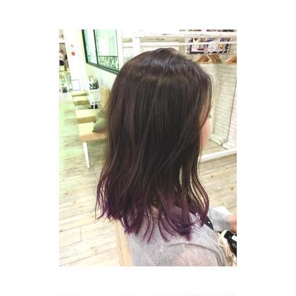 カラー セミロング 赤味除去グラデーションカラー☆ベースは黄味を消して毛先はブリーチしてある毛にパープルを入れています! 髪の巻き方質感の出し方は私に聞いてください