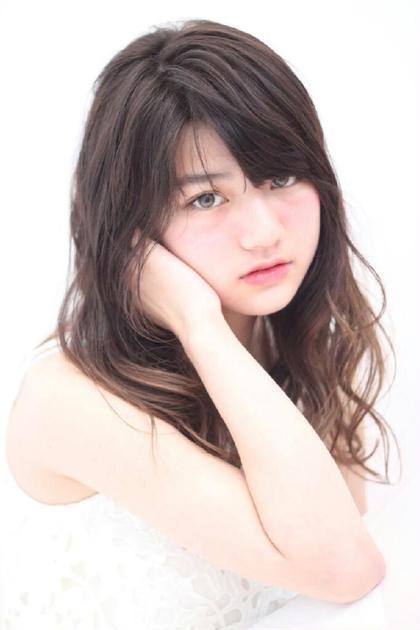 撮影!!夏っぽく白を基調として撮らさせていただきました!! emu所属・米澤智希のスタイル