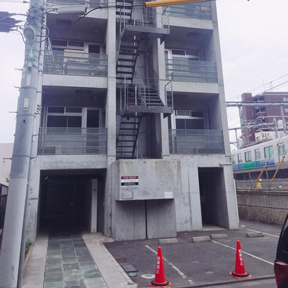 【サロン建物】 道の左側になります! 右側にも同じ建物があるのでご注意ください! LBS 池袋店所属・熊倉あやなのスタイル