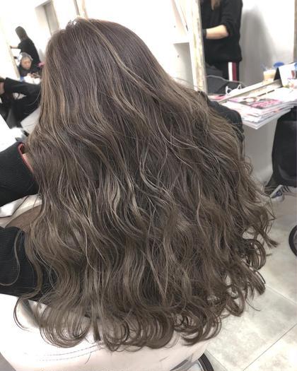 川井麻由のロングのヘアスタイル