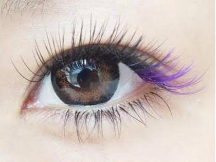 カラーエクステ色が持っ効果NO.1  サロンに行く前にカラエクステ初心者さんのために色が持つ効果をご紹介していきたいと思います。 勿論、すべて当てはまるわけではありませんが、参考までにどうぞ⤴︎  まずは、さろんどふじた1番人気色  ムラサキ色 赤紫〜青紫まで幅広い色彩の紫は、 華麗・繊細・高貴・上品・神秘的な雰囲気を感じさせるイメージになります。  薄紫は上品で優雅、濃い紫は、妖艶な美しさといったイメージで個性を引き出します。   ♯いつものエクステにオシャレ度UP ♯さりげなく入れて柔らかい印象に ♯目尻にしっかり入れても◎  ご予約お待ちしておりマス٩(ˊ࿀ˋ⋆)و ♫•*¨*•.¸¸♪✧0798-47-2589•*¨*•.¸¸♪✧ さろんどふじた所属・江嵜真由美のフォト