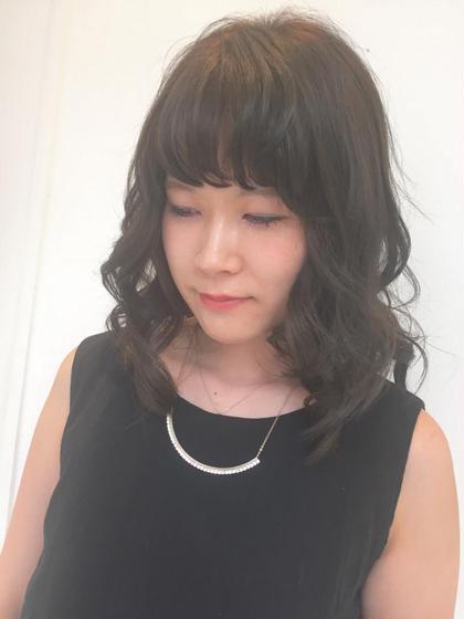 今期流行りのカーキアッシュ&ハイライト☆。.:*・゜ 秋カラーをさきどりしませんか(^^)? Shell Bear所属・武淵晴香のスタイル