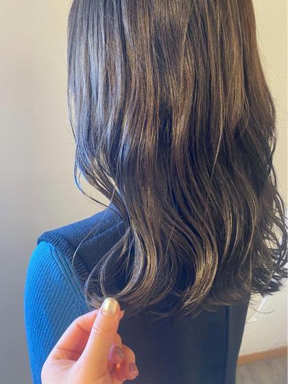 伸ばされている髪に艶と潤いを🌈カット+カラー+マゼラントリートメント