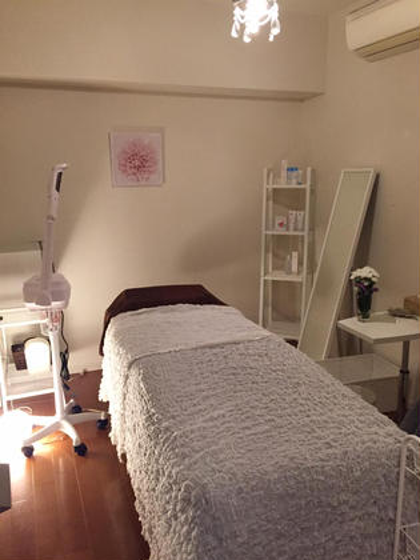 フェイシャルの施術のお部屋です☆ 完全プライベート空間なので、他のお客様を気にする必要がありません!