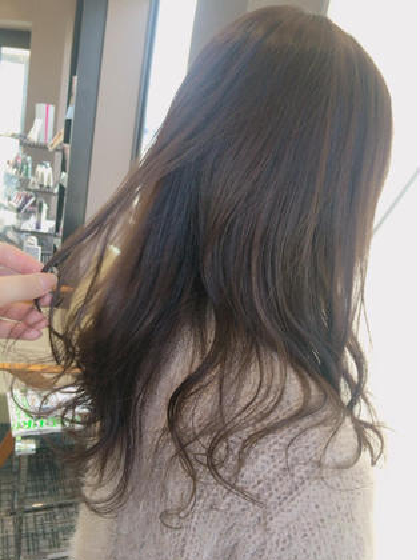 軽く黒染めしてある方でしたが長く時間置かせていただいてオリーブアッシュに Hair&MakeEARTH上田店所属・古谷菜月のスタイル
