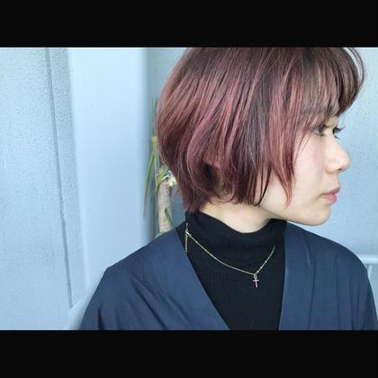 その他 カラー ショート Real salon work✂︎ [ルーツブラック&ハイピンクカラー] . 毛先をハイトーンピンクでオンカラー。 根元を暗くする事でラフな立体感を☝︎ . ピンク系カラーも デザイン次第でクールなイメージに☆ . . . #NAKAIstyle #ショートヘア#ルーツカラー#グラデーションカラー#ブリーチ#ハイトーン#ピンクカラー#ファッション#ootd#ハイカジュアル#お客様カラー
