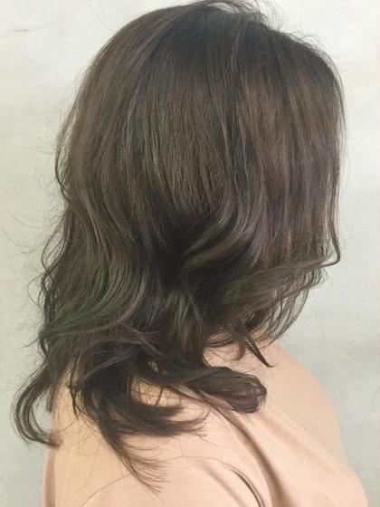 今秋リトパイチオシデザインカラー♪ 木の葉系スモーキーマットにビビット系マットのローライトを入れました( ^ω^ ) ナチュラルが好きだけど自分だけのこだわりをデザインしてみませんか?1度お試しアレ♪ hair make little parks所属・後藤健史のスタイル