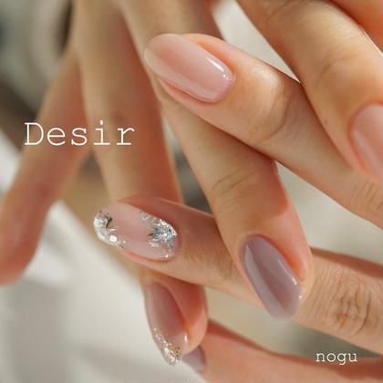 シンプルコース  /  お指2本にお好きなデザインをお選び頂けます。お色もパーツも自由にお選び下さい。