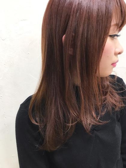 その他 カラー セミロング パーマ ヘアアレンジ Real  salon work✂︎ 【 ミディアムレイヤー × ディープガーネットカラー 】  重めベースなカットでも 柔らかく軽めな雰囲気にCut✂️  深い色味のレッド系カラー☆ レッド系カラーは、髪のツヤ感を引き立たせます☝︎  ノンブリーチカラー⭕️