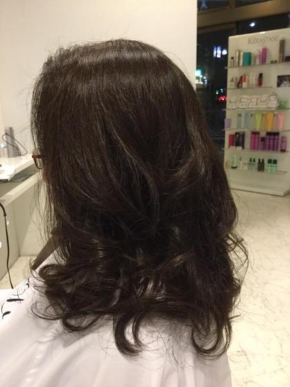 量が多い方なので、段を作り毛先にかけてスッキリと見えるように。   カラーは8レベルのビターブラウンでツヤが出るようになってます! hair design Lorran,ell eyelash salon篠木店所属・今村麻衣のフォト