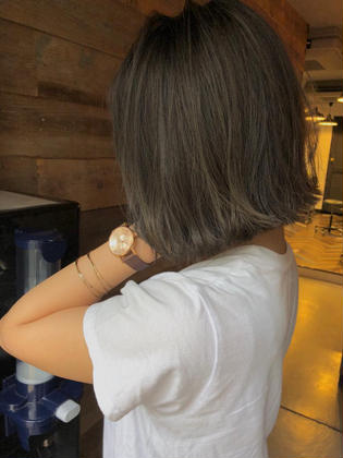 カラー ショート highlight color design  ✂︎ KHANH HOA 表参道  ℡0368045616 渋谷区神宮前4-14-6 101  cut ↠¥5.000 color ↠¥7.000〜 highlight design ↠¥8.000〜 balayage design ↠¥10.000〜 cut×color×treatment ↠¥10.000 cut×highlight×treatment ↠¥12.000 cut×balayage×treatment ↠¥14.000  ↡スタイルの詳細はこちらでご覧いただけます↡          https://www.instagram.com/_hide1989/