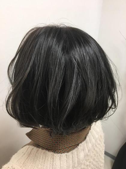 今流行りの暗髪カラーです‼︎ 一色で染めるのも、ハイライトを入れてしてあげるのもあり‼︎ 特にハイライトを入れてのカラーだと立体感と透明感がマッチしてかわいいこと間違いなし‼︎ ぜひお試しください^_^ STELLA LOVEST所属・森岡誠希のスタイル
