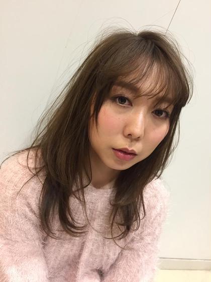 トレンドの透明感のあるアッシュカラー Ash中目黒店所属・榊間茜のスタイル