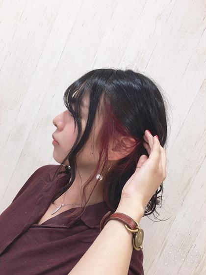 ____inner color . 秋っぽくボルドーに♥ 耳にかけるだけで可愛く個性発揮できます . RamourT所属・西村千恵のスタイル
