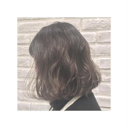 外国人風グレージュグラデーションカラー✨ 低明度ですがとっても透け感があって人気のカラーです♪ RADnoel梅田所属・鈴木良華のスタイル