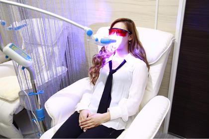 痛みも無く・低コスト・短時間で自然の歯の白さに☆ケア後の食事制限もありません!!虫歯、差し歯、インプラント全ての歯OKです!1回のご利用で2~4トーンUPします!! salon de FLASH所属・salon deFLASHのスタイル