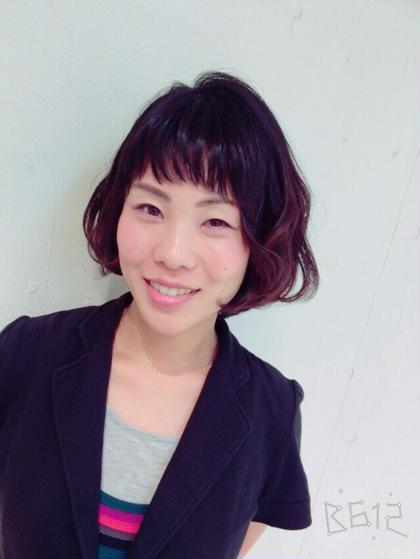 動きのあるボブスタイル♡ 眉上バングでキュートさをだしました♡ 右サイドの髪を耳にかけることによってアシンメトリーですっきりオシャレです♡ ZA/ZA所属・maikasuzukiのスタイル