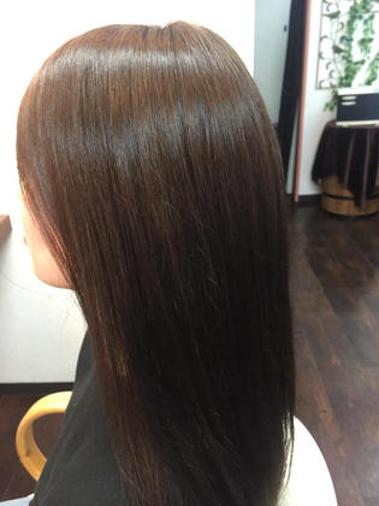 美髪癖毛矯正シルクレッチ®️  髪質内部の結合を移動させ、結合水を強化することにより毛髪内部環境を整えて酸化定着します。