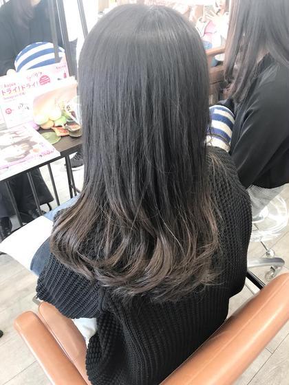 グラデーションカラーのダブルカラーです(^^) トップスタイリストSegawaのセミロングのヘアスタイル