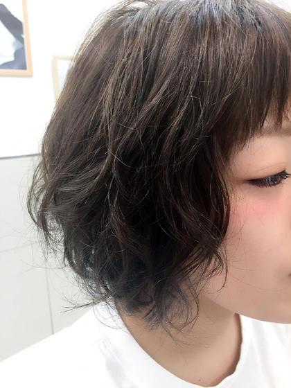 インナーカラー×ネイビー Xanadu浅草店所属・渡辺一江のスタイル