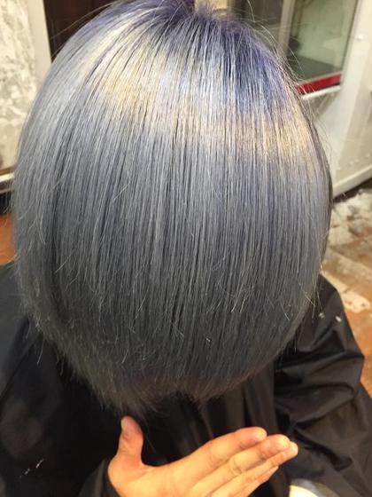 ブリーチ3回のTHE シルバー。 hair salon dot. tokyo所属・海野拓郎のスタイル