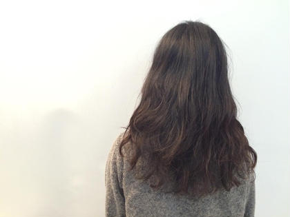 ナチュラルパーマ☆  強く巻きすぎず、でもゆるく巻いてある感じのラフなパーマスタイルになっています!!  簡単にスタイリングでパーマを出すことができます(^-^) ROOM hair所属・團春華のスタイル