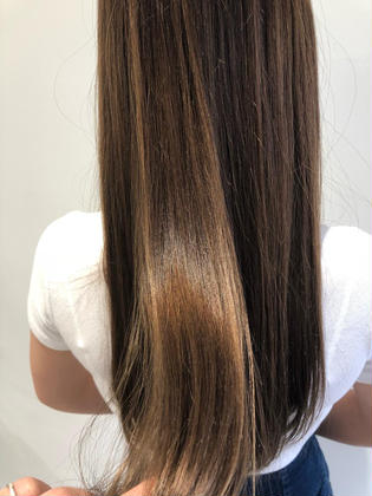 【☘️髪の毛サラサラ☘️】☑️❣️縮毛矯正 &➕コラーゲントリートメント❣️