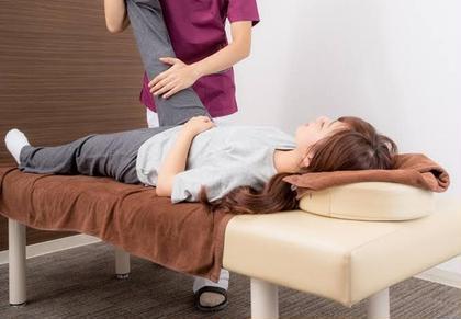 腰痛・股関節まわりのお疲れは【骨盤調整ストレッチ+ほぐし整体】60分