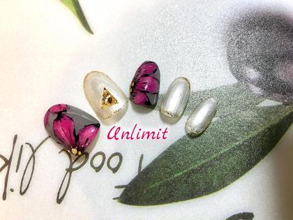 BeautySalon Unlimit所属の南川梓のネイルデザイン