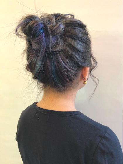 カラー セミロング ブリーチオンカラーをしたインナーにユニコーンカラー🦄を忍ばせアレンジをした時にかわいい髪型に仕上げました‼️☺️