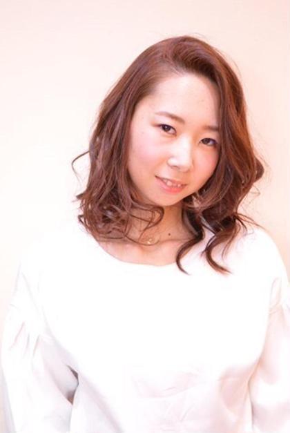 かきあげバング / アプリコットオレンジ / 3Dカラー モリオフロムロンドン所属・赤井智世のスタイル