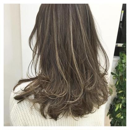 外国人風ロイヤルハイライト‼️ ykfj hair所属・イズミタカヒロのスタイル