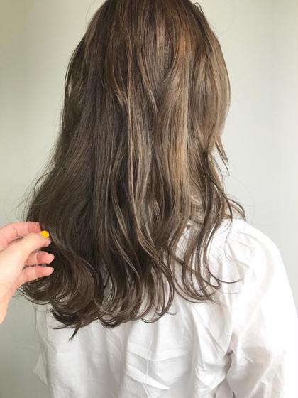 ブリーチベースに ラベンダーグレージュカラー♡♡  イルミナカラーがよしです♡ 杉本佳奈のヘアスタイル・ヘアカタログ
