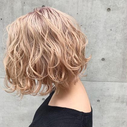 blond beige🐝   二回ブリーチでのカラーです。 ブリーチ1回➕¥2000 髪質によっては三回するようになります。 (MASHU)wiz hair東原店所属・ホンダダイキのスタイル