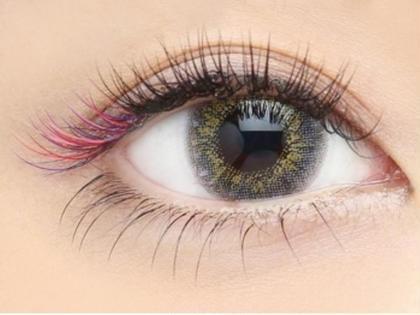 目尻にパープルとピンクとレッドをMixしてお付けさせて頂きました♪ Frill Eye Beauty 神戸元町店所属・FrillEye Beautyのフォト