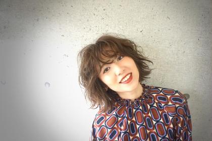 赤味をおさえたオリーブベージュ☆ やわらかいくしゃっとしたカジュアルボブです(^^) Day & Night所属・村元顕太(KenKen)のスタイル