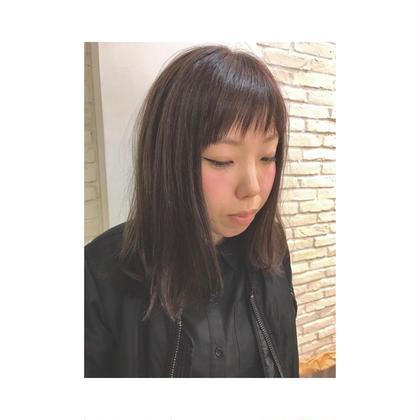 カラー ミディアム セピアアッシュにカラー☆全体10センチカットして前髪も作りました☆仕上げは無造作に毛先をハネさせてプロダクトでおしゃれにスタイリングしてます☆