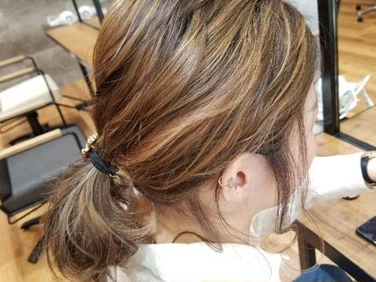 これ、色入れていないんです。 ローライトとハイライトを入れただけでふ。 谷結奈のミディアムのヘアスタイル