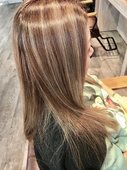 下林雅明のセミロングのヘアスタイル