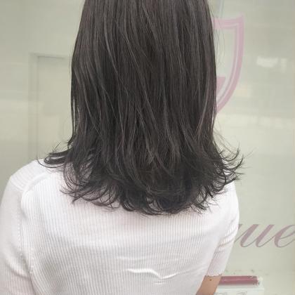 カラー ロング 赤みしっかり消してグレージュ🦋 縮毛矯正してても柔らかい質感にー!