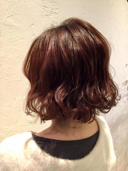 やわらか~い毛質の方や、ほそ~い毛質の方にオススメなちょっぴりアクセントがあるグロスカラーです♪髪にツヤが出てふんわりボリュームヘアにしませんか? Sourire Akasaka所属・半個室型美容室☆赤坂店のスタイル