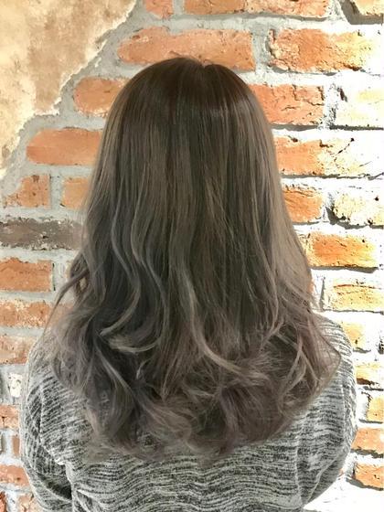 毛先をRブリーチ +アプリエカラーでグラデーションカラー ヴァーチューセカンド所属・nomuramaiのスタイル
